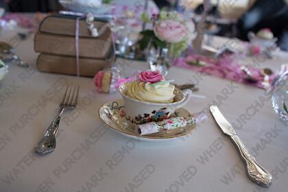 KU8C5751   Keywords: wedding,party,tea,cup,cracker,christmas,theme,white,austen,blakemore,knife,fork